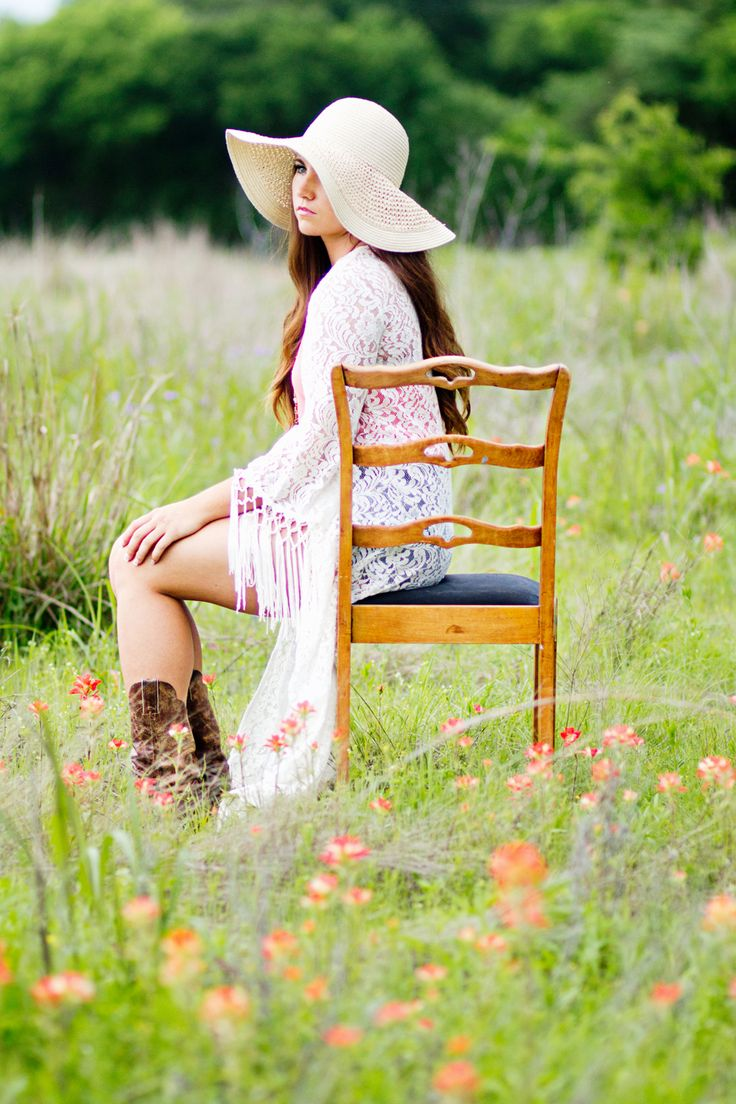 Callie Beth Photo + Design // calliebethphoto.com // #calliebethphoto // Senior, Senior Pictures, Girl Senior Pictures, Senior Picture Props, Rockwall Photographer, Dallas Photographer, Country Girl, Cowboy Boots, Lace, Outdoor Pictures, Chair