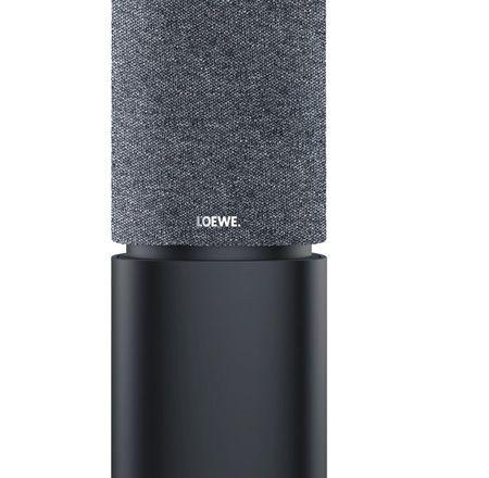 Loewe klang 5 Wireless Aktivlautsprecher. Das resonanzarme, minimalistische Gehäuse, ohne sichtbare Schrauben, ist mit einem nahtlos gewebten, speziellen  Akustik-Stoff bezogen. Die Lautsprecher sind passend zum Loewe bild 7 in den Farbvarianten Lichtgrau oder Graphit Grau erhältlich.