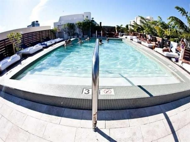 "7day Hotel - Catalina Hotel & Beach Club Guest Ratings (1,659 guest reviews): 6.7 ""Very trendy"", ""Fantastic bar"", ""Superb dining"" Key Features:       Popular with: Business travellers Couples Situated in South Beach, Catalina Hotel & Beach Club offers 3-star accommodation and a rooftop pool, a free shuttle service and a private beach. It is ideally located for guests wishing to discover the area's attractions.  This modern hotel offers an express check-in and check-out feature, massage…"