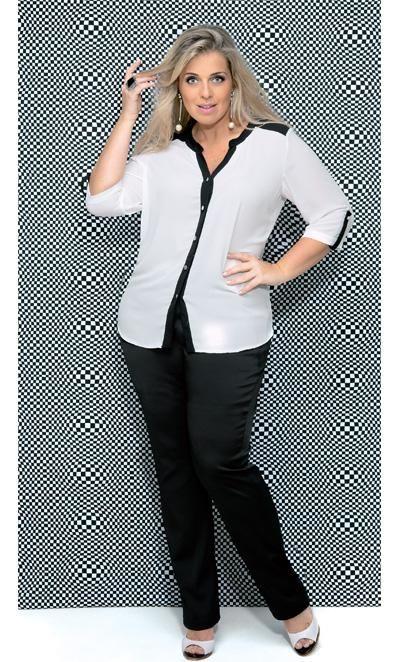 Combinar calça de alfaiataria com camisa branca é garantia de um look alinhado | Foto: Estúdio Escala