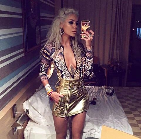 What an outfit ! Alina Ceusan