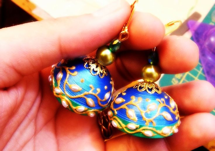Get  your quilling supplies at www.craftgully.com  Quilling Me Softly: Kundan embroidery jhumka ;)