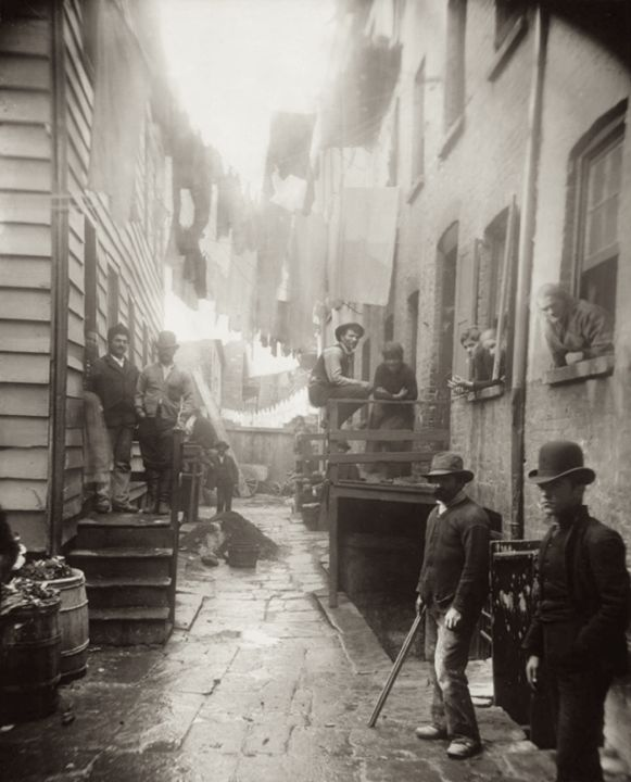 'Bandits Roost' at 59 Mulberry Street in New York City by Jacob Riis. 1888. [700 867] #HistoryPorn #history #retro http://ift.tt/23HRkhv
