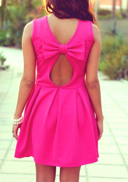 bow back, hot pink dress. love.