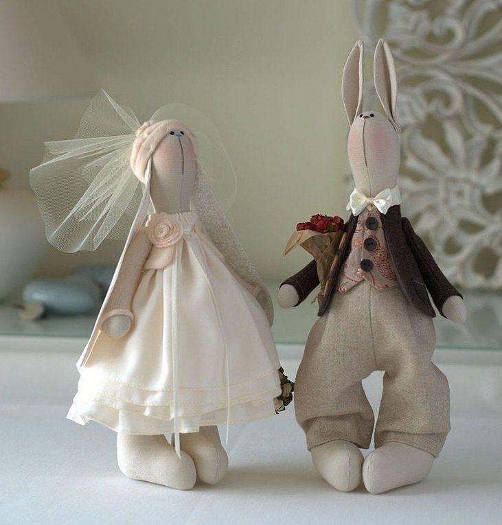 Antoinette-lapin Toy-lièvre Toy par BroderieLittleCorner sur Etsy