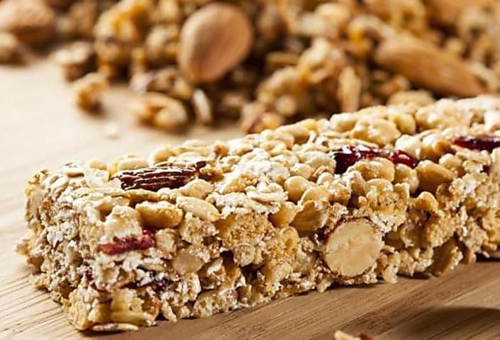 Barres diététiques aux flocons d'avoine et raisins secs