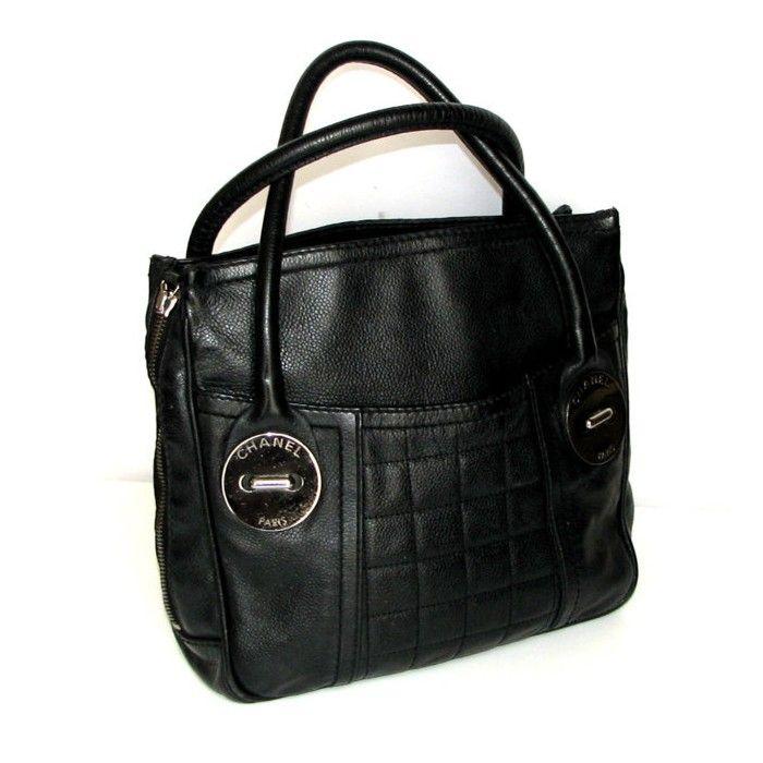 CHANEL, sac porté main vintage 500 €