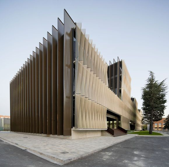 JA+U : Biomedical Research Centre by Vaíllo + Irigaray Architects