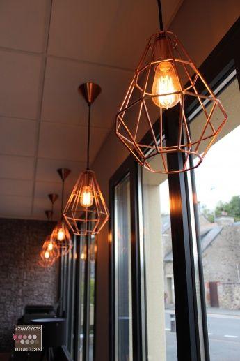 Rénovation et décoration à Lamballe (auto-école), suspension cuivre, ampoule filament, suspension fil de fer