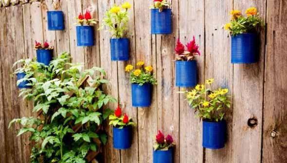 Arte reciclada para enfeitar o quintal de casa