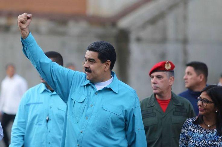 """Maduro: Este jueves entrará en vigencia Ley de Precios Acordados /  Caracas.- El presidente de la República, Nicolás Maduro, indicó que este jueves entrará en vigencia la Ley Constitucional de Precios Acordados, aprobada el pasado martes por la Asamblea Nacional Constituyente (ANC). Desde el Palacio de Miraflores, en Caracas, Maduro señaló que esta ley será de obligatorio cumplimiento y defenderá """"los precios"""