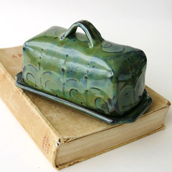 Covered Butter Dish - Blue Green Seaweed - Beach Cottage Home Decor. love the color