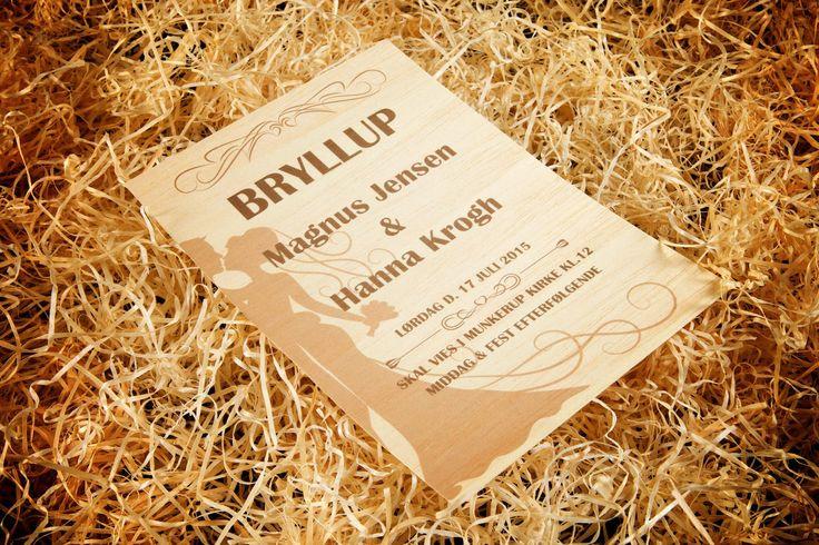 Den ultimative bryllupsinvitation, den unikke firma-flyer eller det ekstravagante menukort…tryk på papirstyndt træ er både smukt og unikt. Kun 0,48 mm tykt i 9 forskellige trænuancer - vælg selv præcis det elegante trætryk, du skal bruge.