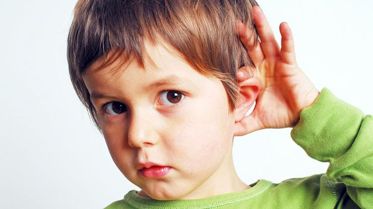 A consciência fonêmica é a habilidade de ouvir, identificar e manipular individualmente os menores sons da fala, isso é, os fonemas. Antes das crianças
