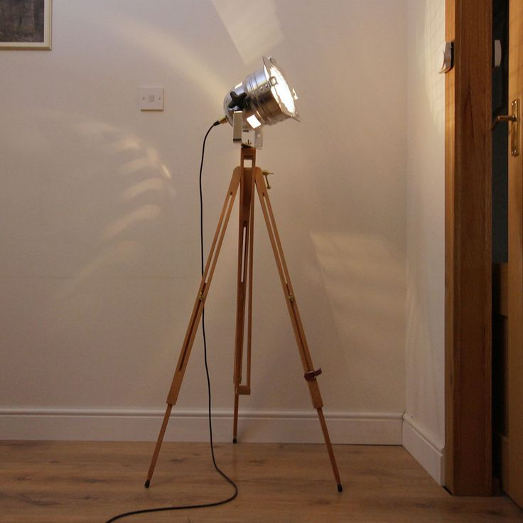 Classic Theatre/Stage light + Wooden Tripod - Industrial/Retro Chic - Floor Lamp