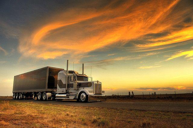 Peterbilt Truck Drivers And Trucks On Pinterest: Kenworth W900L - 007 James Bond Edition At Sunset