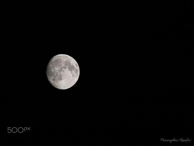 Moon. - null