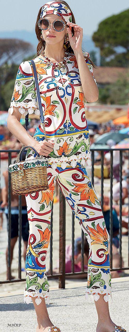 dolce-and-gabbana-summer-2018-women--mondello-collection
