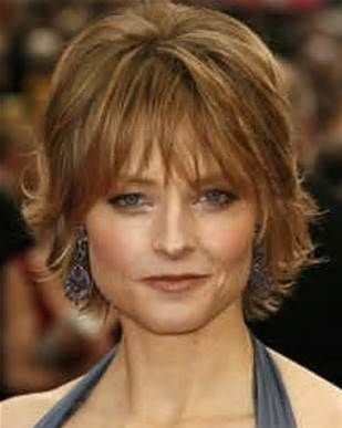Short hairstyle for women over 50, square face