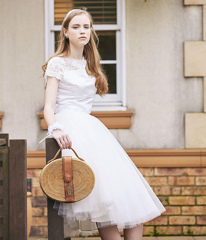 No. DBW-077・30/M –セパレートドレスなら、ロングスカートからミディスカートにコーデを変えて二次会スタイルに。