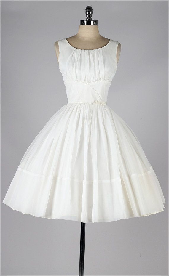 vintage 1950s cream chiffon, classic dress