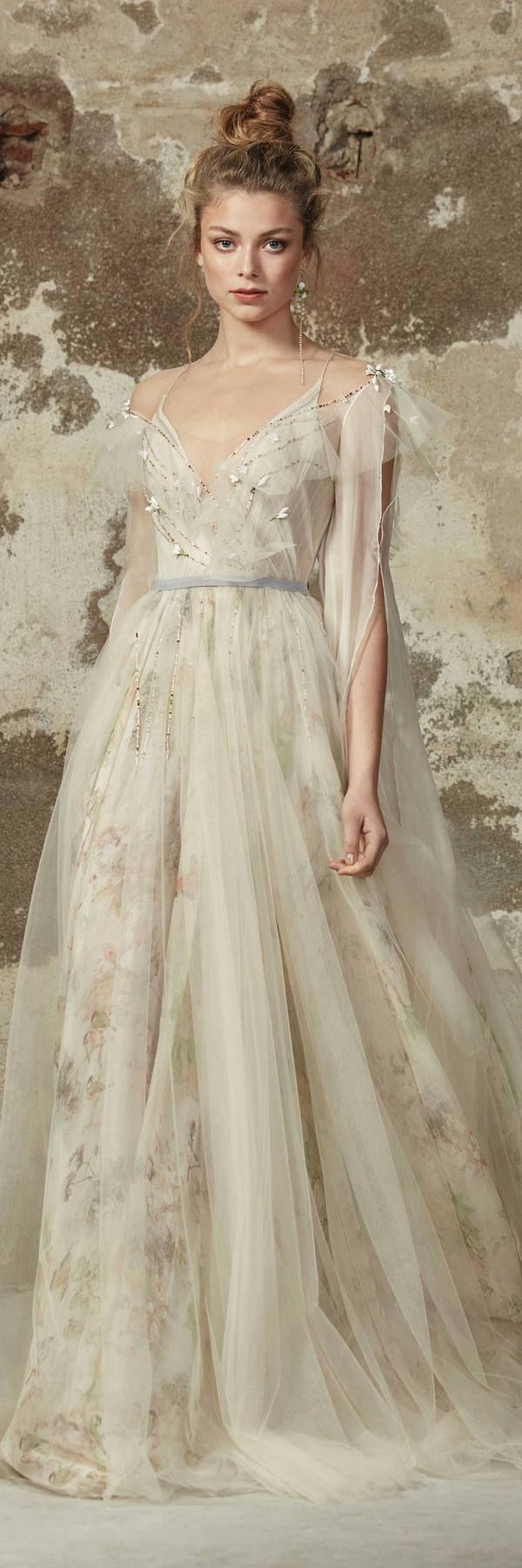 Rara Avis 2018 Wedding Dresses DELVIN / http://www.deerpearlflowers.com/rara-avis-2018-wedding-dresses/