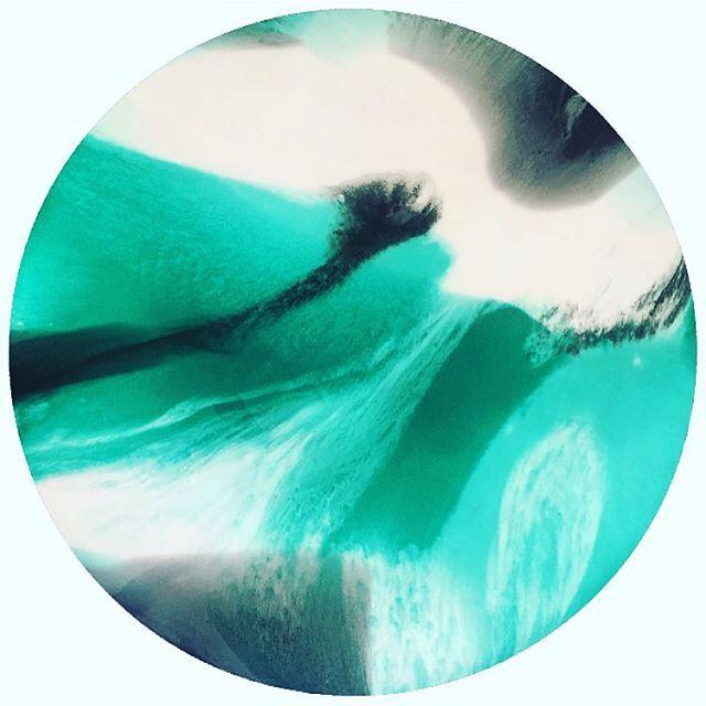 Still dreaming about this beautiful piece I created for Nikki over at the @theperthcollective a few weeks ago. So pretty!!  #artist #abstractart #artistspotlight #resinart #resin #perth #perthartist #perthisok #interiordesign #artist_sharing #australianartist #abstractresin #resinartist #wallart #abstractartist #instagram #instagood #theperthcollective #perthisok #perthcreatives #artwork #ratedmodernart #modernart  #artlife #artistsoninstagram #artnerd #fineart #thebestofbigcartel