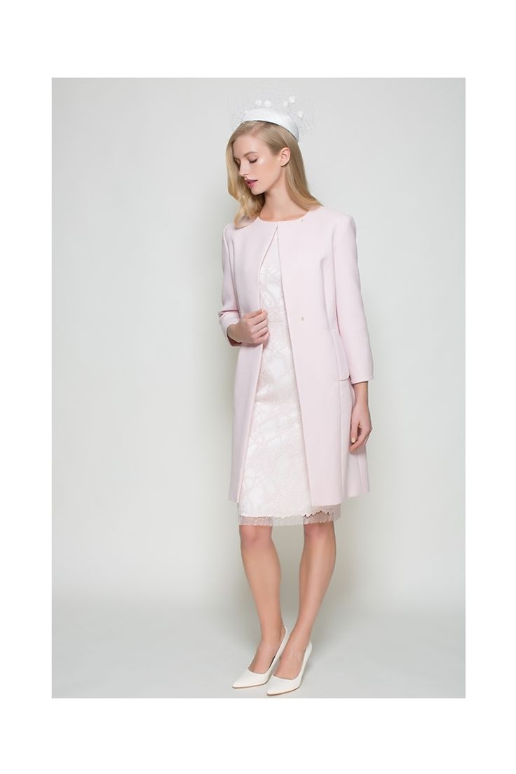 A simple and beautiful tailored jacket constructed of Italian wool crepe cloth and lined in silk satin. The jacket has a semi tailored fit with a 3/4 sleeve. Delicate buttons give the option of closure, fasten to the neck line or leave undone. Immaculately presented. x
