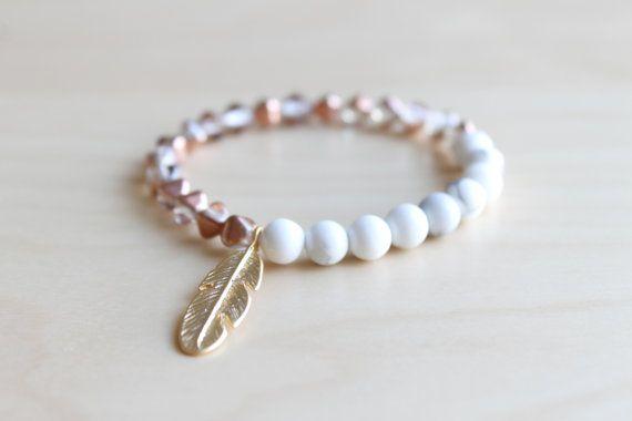 Feather bracelet / howlite bracelet / howlite by HandsLoveJewelry