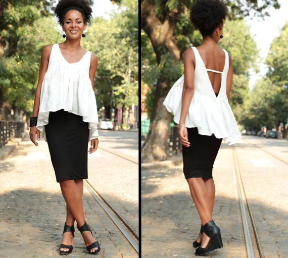 This exquisitely airy blouse goes with everything - a trendy skirt, casual pants, sexy shorts or form-fitting leggings - and can be combined with your favorite heels or flats. The gather at the chest invites the eye to cherish your beautiful neck and shoulders. The breezy design gives off a sense of absolute freedom and the deep open back is there to accentuate your irresistible womanly charm!  Enjoy a relaxing summer with this lightweight top!  Be Love ♥♥  ♥ Material: 100% Linen  ♥ Care…