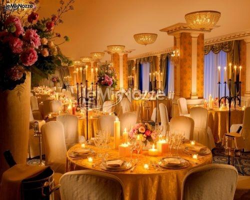 http://www.lemienozze.it/operatori-matrimonio/luoghi_per_il_ricevimento/parco_dei_principi_grand_hotel_-_spa/media/foto/2  Sala per il ricevimento del matrimonio molto luminosa e dai colori caldi