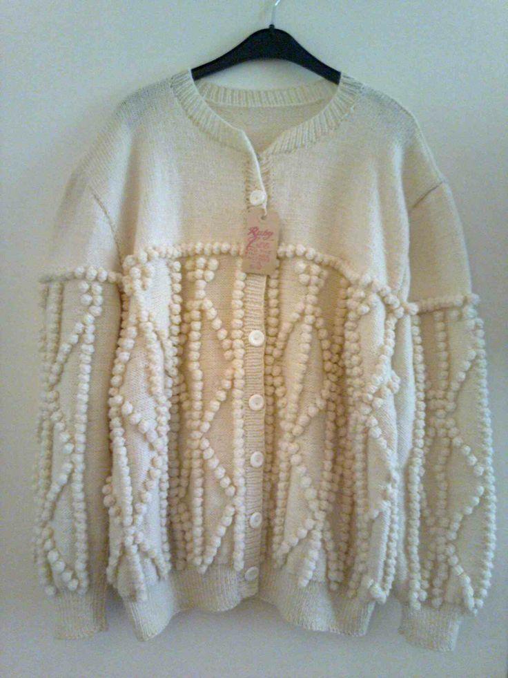 Beautiful handknitted vintage cardigan, short style, acrylic size 40/42 €25