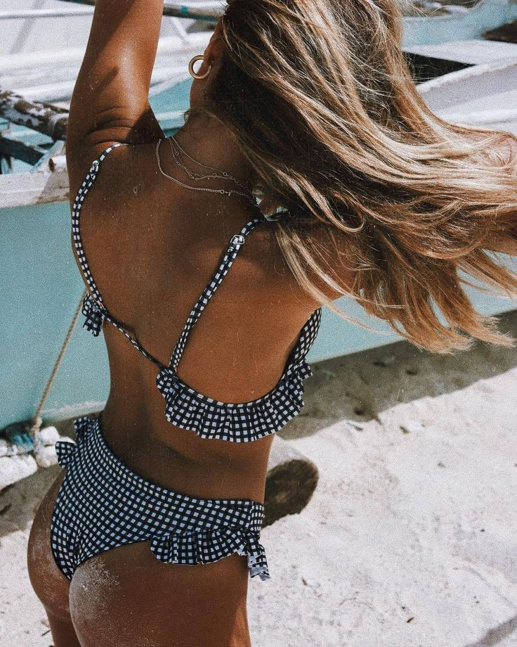 girls fashion show Bikini