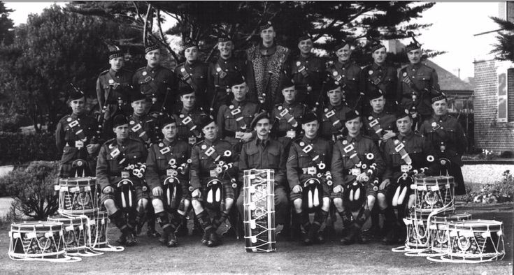 48th HIGHLANDERS OF CANADA 1st Battalion Pipes and Drums was taken in Seaford Sussex (England), Spring 1943