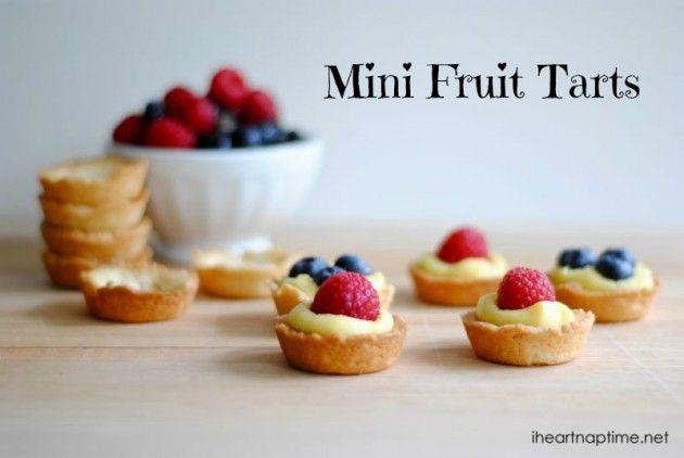 deze mini fruit taartjes zijn ook heel gemakkelijk om te maken. Dit recept vertaalde ik voor u uit het Engels. U kunt ze vullen met onze voordelige banketbakkersroom en vers fruit naar keuze.