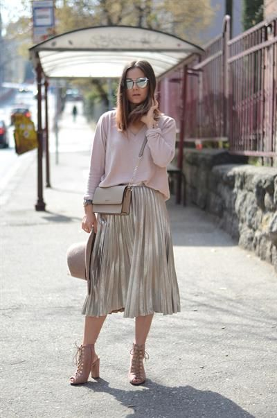 Be special and wear metalic skirt. Find products from this look on styilo.com