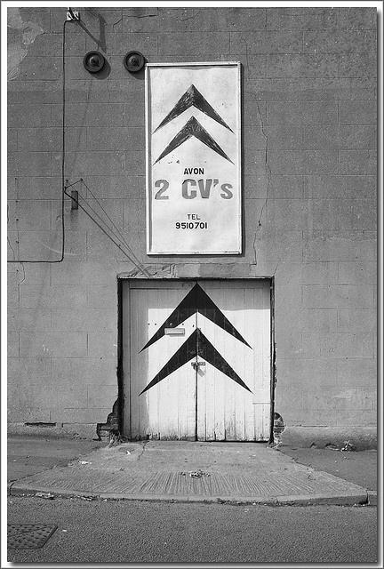 2CV-1  derelict garage in Easton