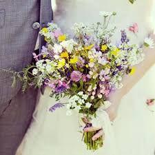 Bildresultat för brudbukett ängsblommor