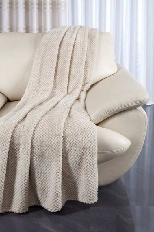Narzuty beżowe na kanapę i fotele