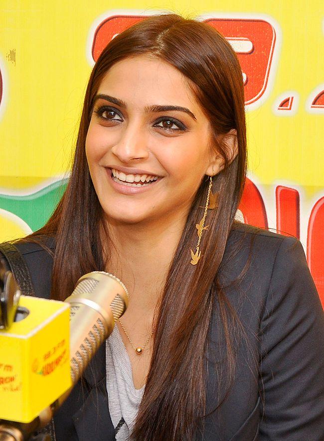 'Khoobsurat' star Sonam Kapoor at Radio Mirchi. #Bollywood #Fashion #Style #Beauty