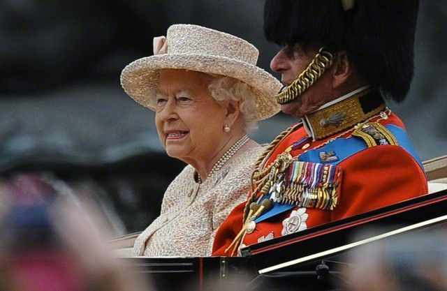 Queen Elizabeth's official birthday celebration, Trooping the Colour, took place this morning in London. More than 1,000 soldiers took part in this royal salute to the Queen, who eschewed her long …