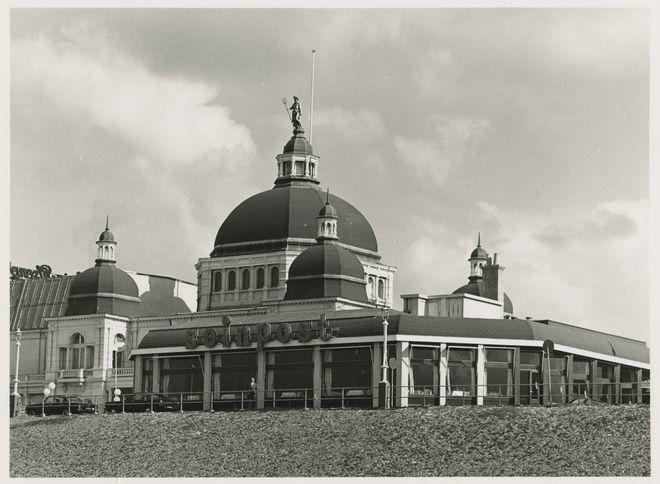 Scheveningen Scheveningen 1972: Seinpost gezien van de boulevard