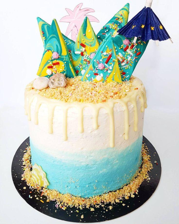 Gâteau d'anniversaire tardif pour @estellefromhere  Six couches de gâteau…