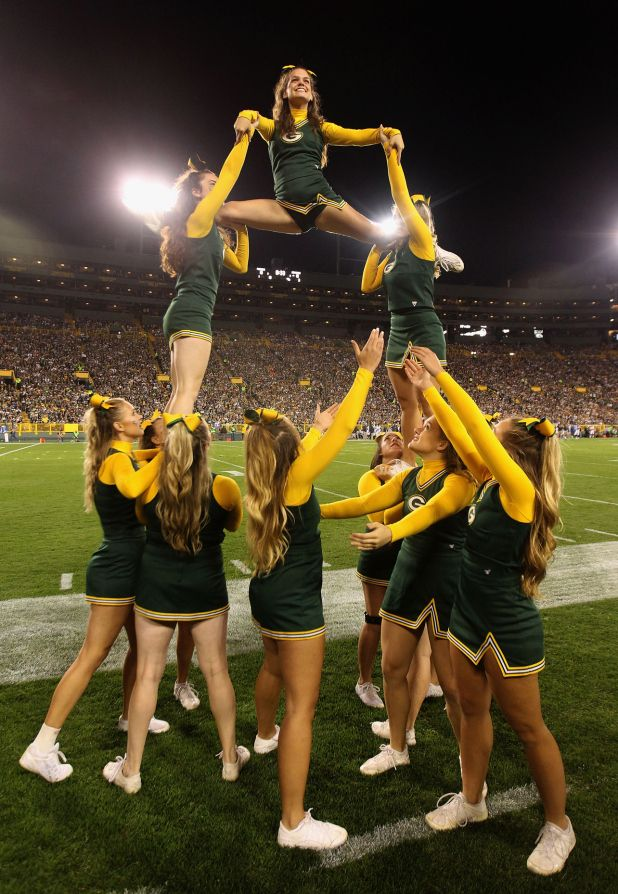 2016 green bay packers cheerleaders pictures | NFL Playoffs Live Stream: How To Watch Green Bay Packers Vs. Arizona ...