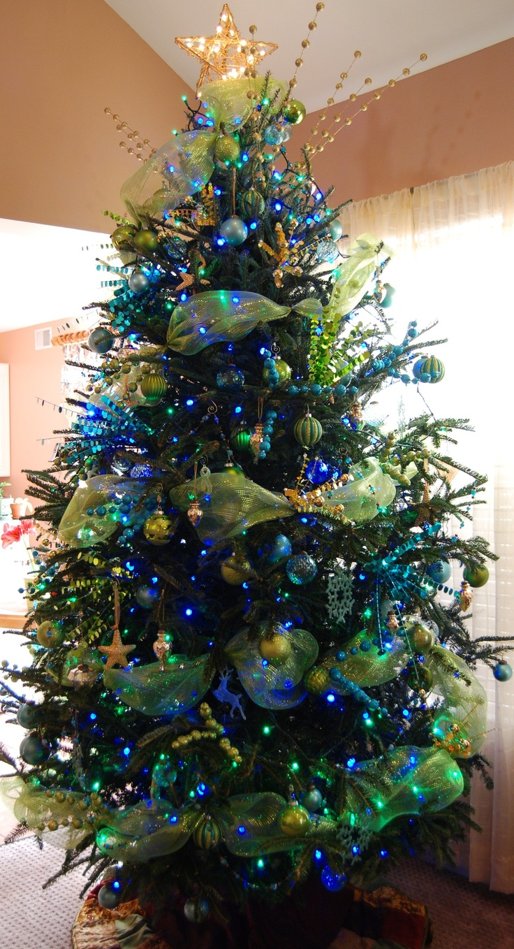 Blue christmas trees decorating ideas - Love This Tree Love It Peacock Christmas Treegreen Christmasxmas Treeschristmas Tree Decorationschristmas