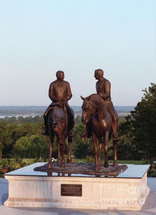 Nauvoo, Illinois-statue of Joseph and Hyrum Smith
