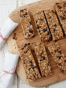 Have these in the oven right now! Hope they turn out tasty --> Chocolate Chip Granola Bars
