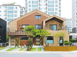 듀플렉스 하우스 _ 한 지붕 두 가족을 위한 새로운 제안