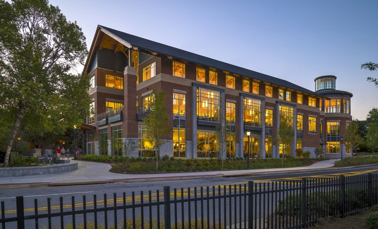 This beautiful building with lightning protection for students & faculty was designed by architecture firm Bruner/Cott & Associates. Recipient of the AIA National Honor Award for Design, Bruner/Cott & Associates is highly regarded for campus inititives like the University of Georgia Bolton's Dining Commons in Athens, GA pictured above.