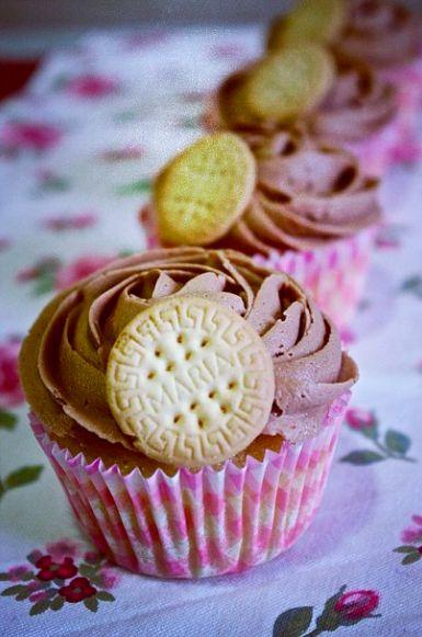 Cupcake relleno de nutella y galleta